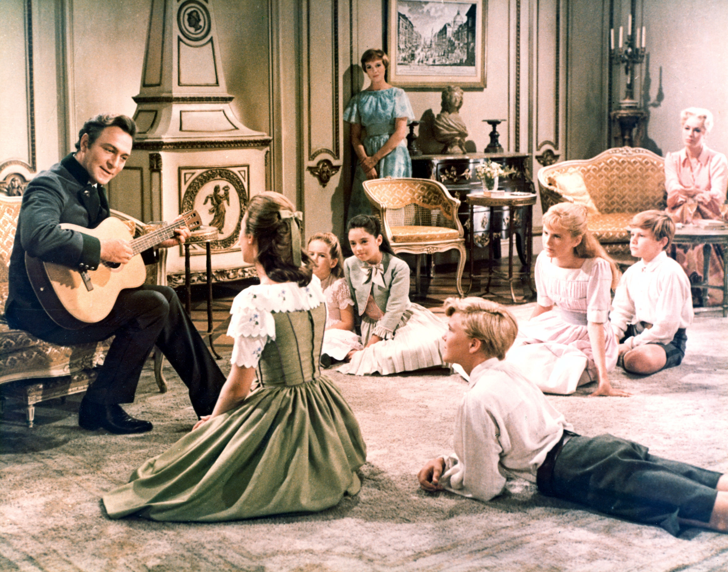 THE SOUND OF MUSIC, Christopher Plummer, Charmian Carr, Kym Karath, Angela Cartwright, Julie Andrews, Nicholas Hammond, Heather Menzies, Duane Chase, Eleanor Parker