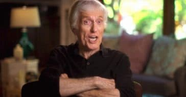 Dick Van Dyke hands out cash to strangers