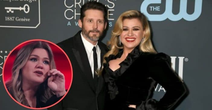 Kelly Clarkson Tears Up Over 'Voice' Performance Amid Her Own Divorce