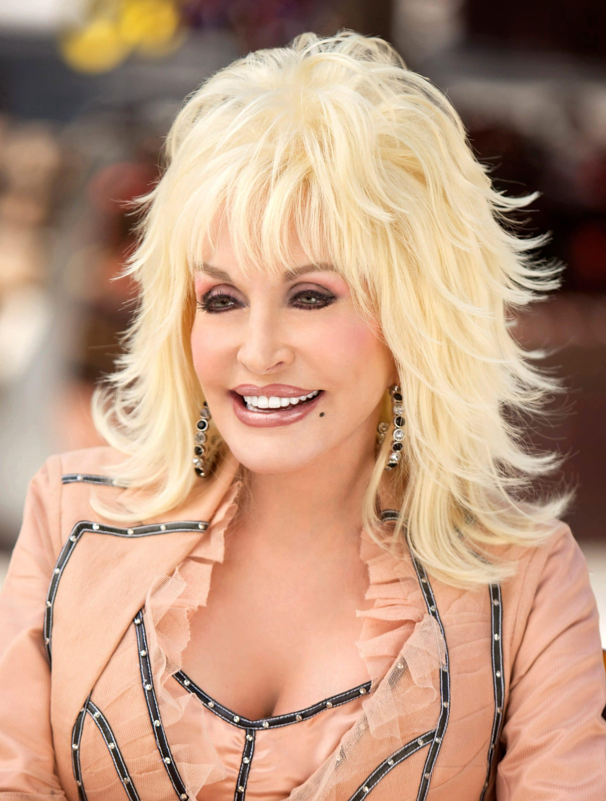DOLLY CELEBRATES 25 YEARS OF DOLLYWOOD, Dolly Parton