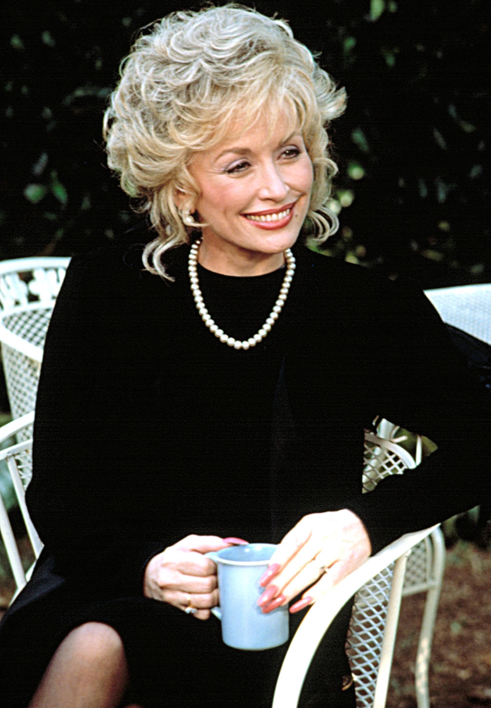 STEEL MAGNOLIAS, Dolly Parton, 1989