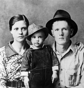 Gladys, Vernon, Young Elvis