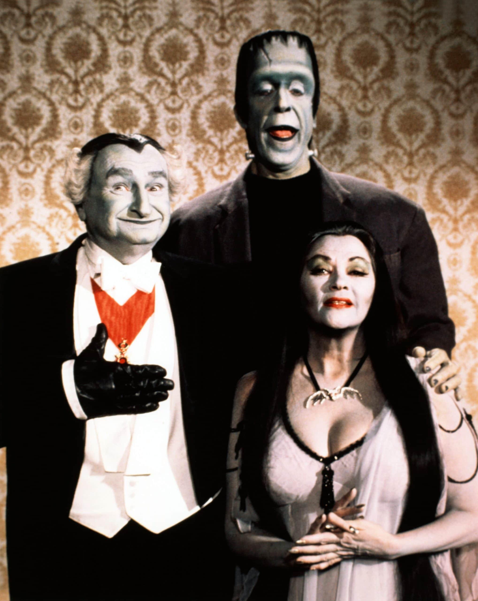THE MUNSTER'S REVENGE, (from left): Al Lewis, Fred Gwynne, Yvonne De Carlo, 1981