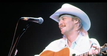 Alan Jackson hates modern country music