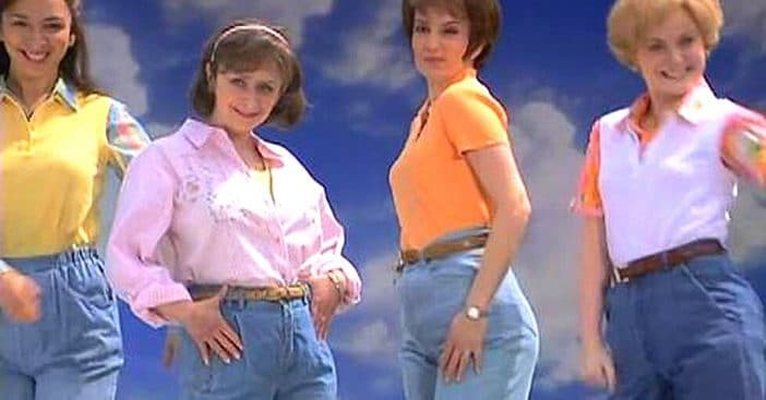 Mom jeans on 'SNL'
