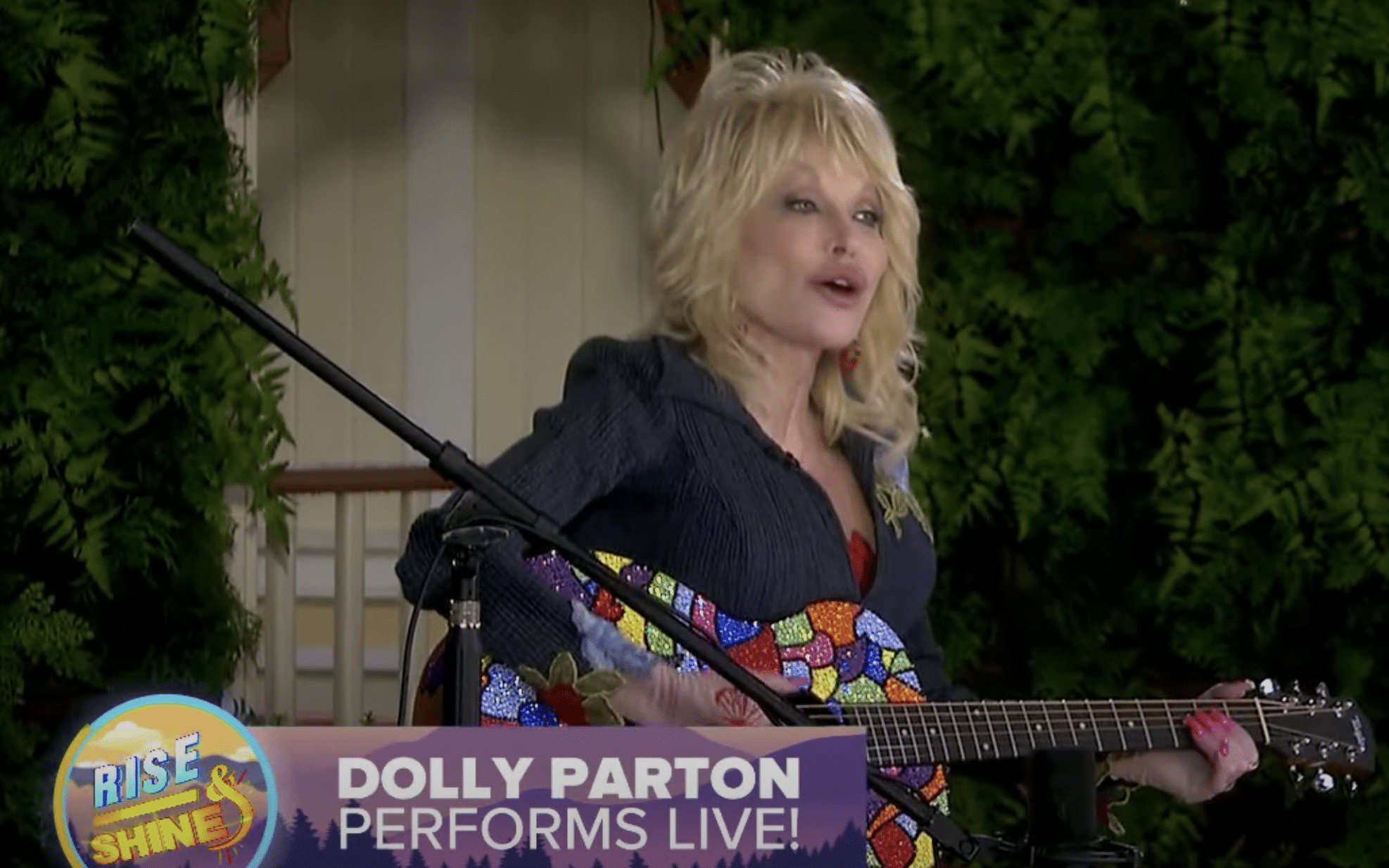 dolly parton performing coat of many colors