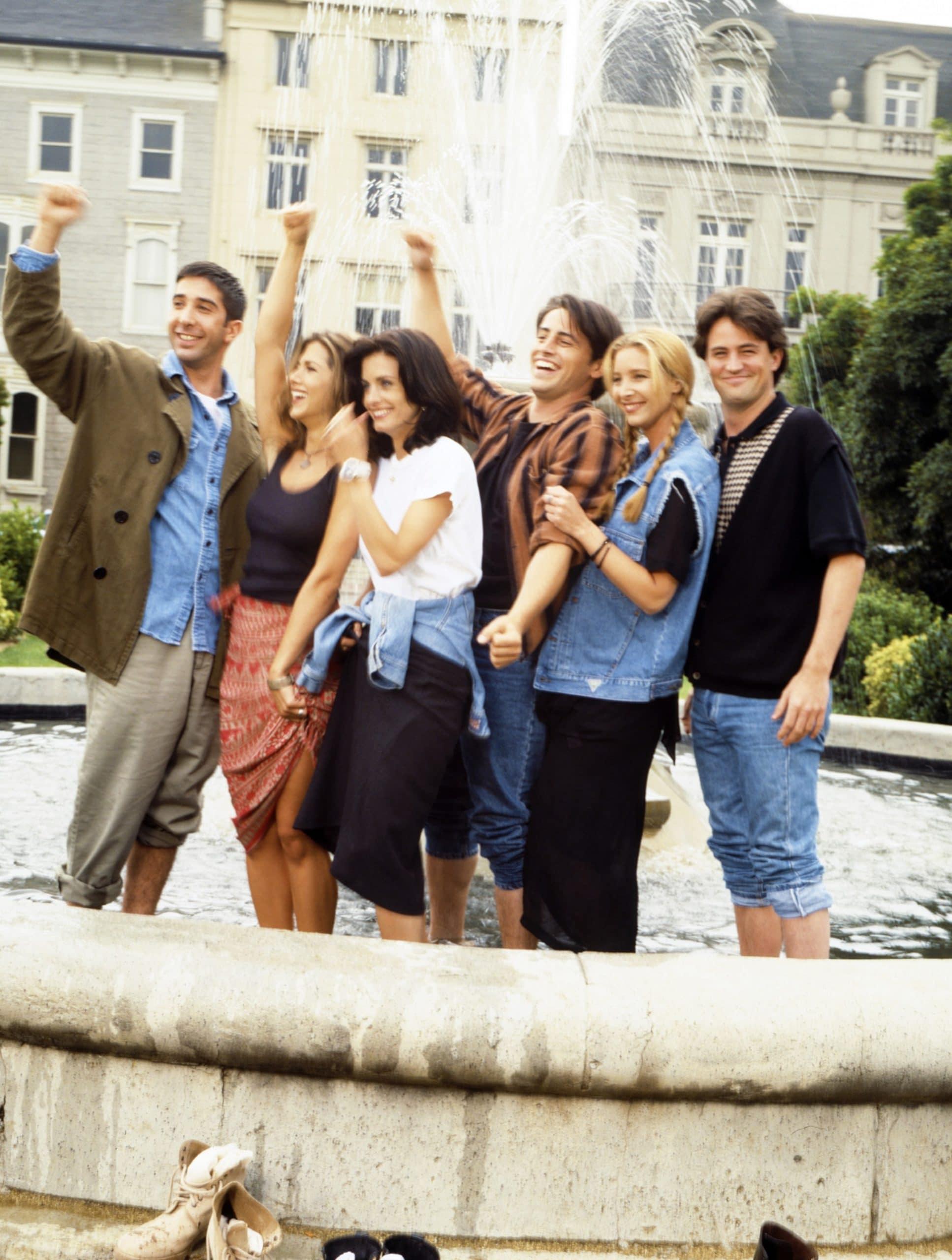 FRIENDS, from left: David Schwimmer, Jennifer Aniston, Courteney Cox, Matt LeBlanc, Lisa Kudrow, Matthew Perry, 1994-2004