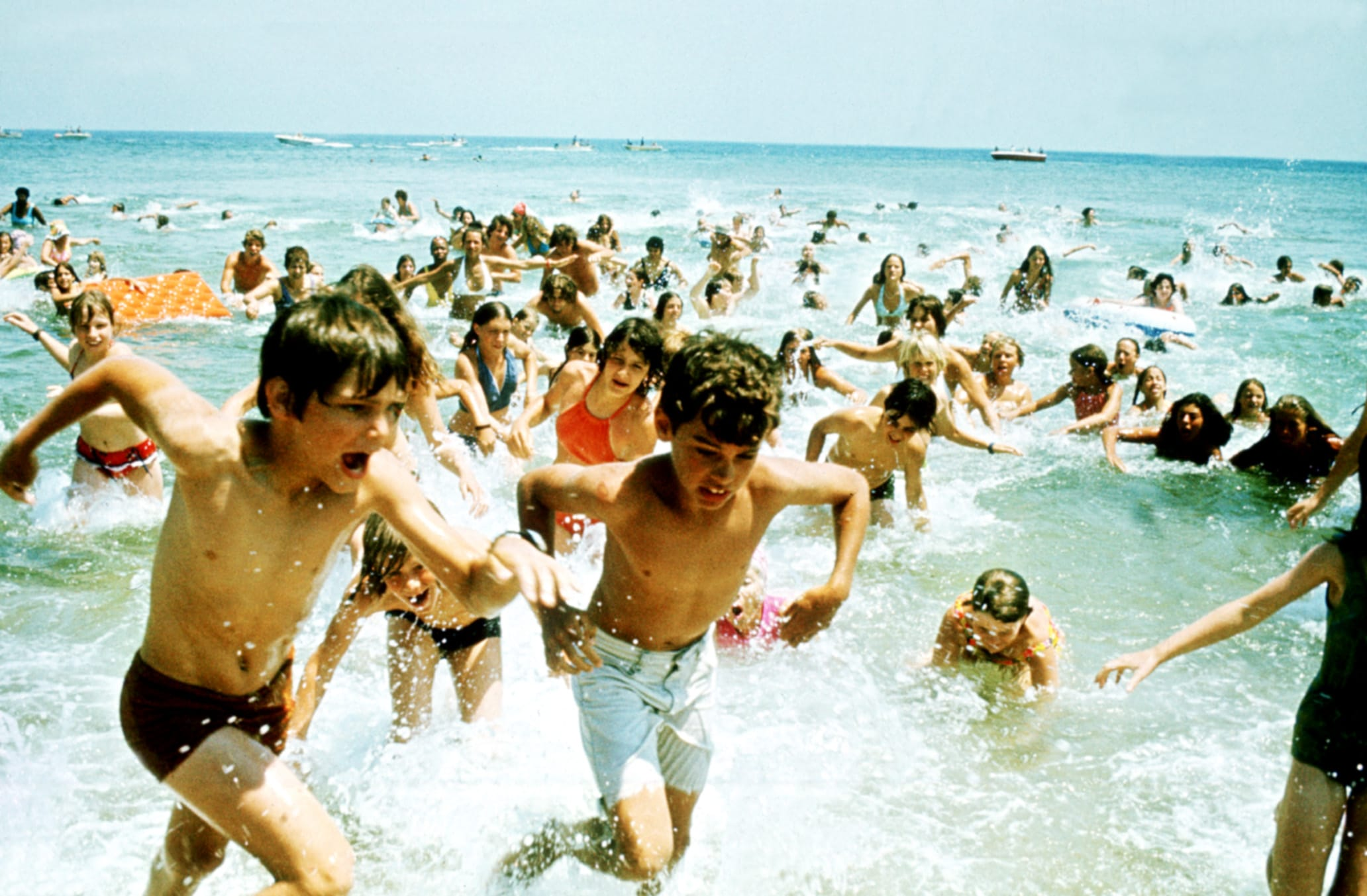 jaws extras running from the water