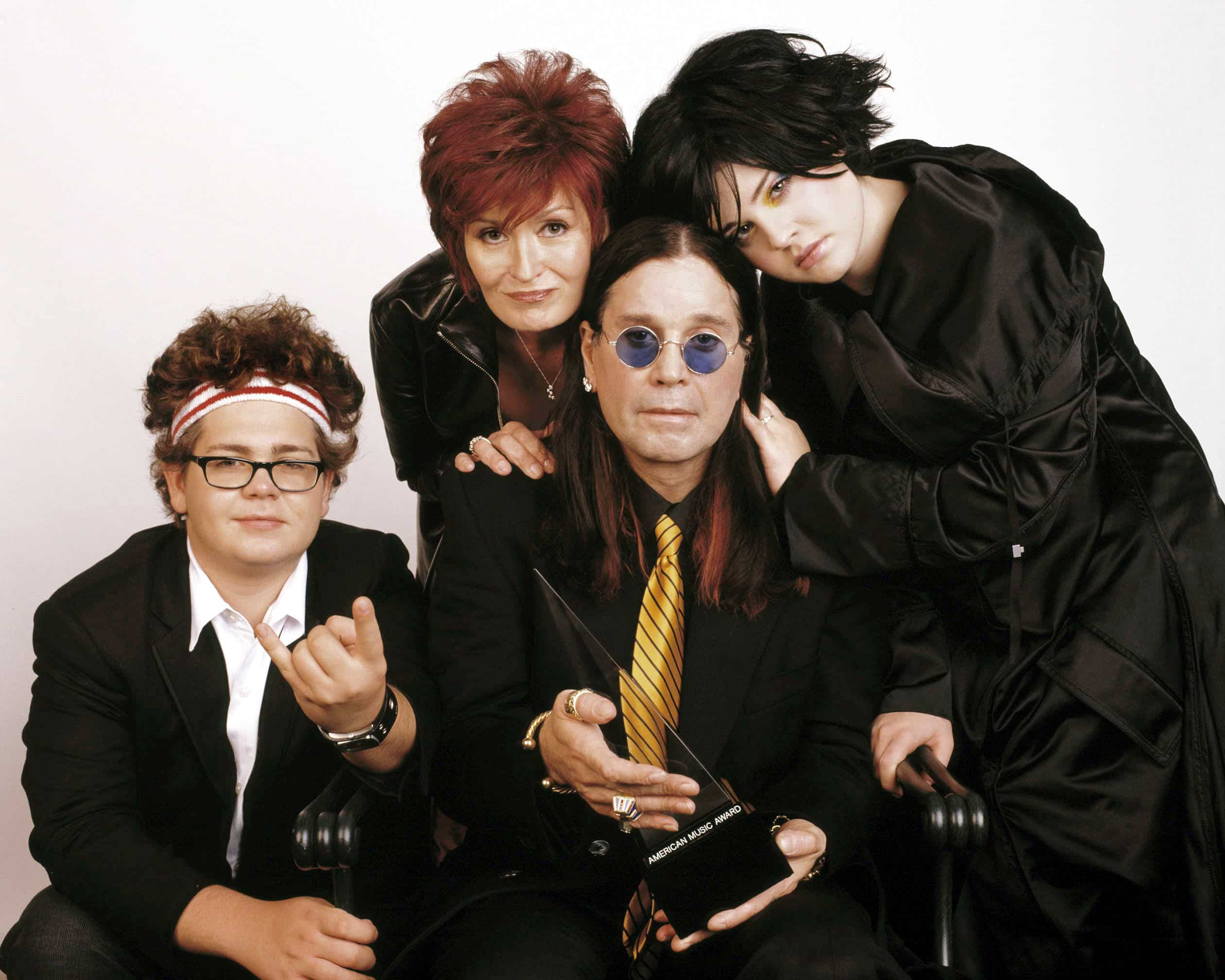 AMERICAN MUSIC AWARDS 2003, Hosted by The Osbournes (Jack Osbourne, Sharon Osbourne, Ozzy Osbourne, Kelly Osbourne)