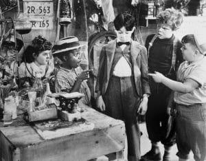 BUBBLING TROUBLES, from left: Leonard Landy, Darla Hood, Billie 'Buckwheat' Thoma