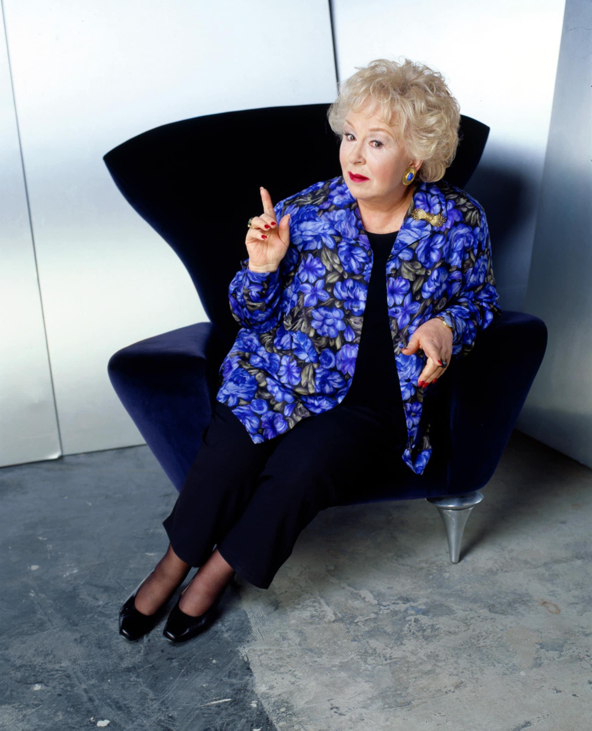 EVERYBODY LOVES RAYMOND, Doris Roberts, 1996-2005