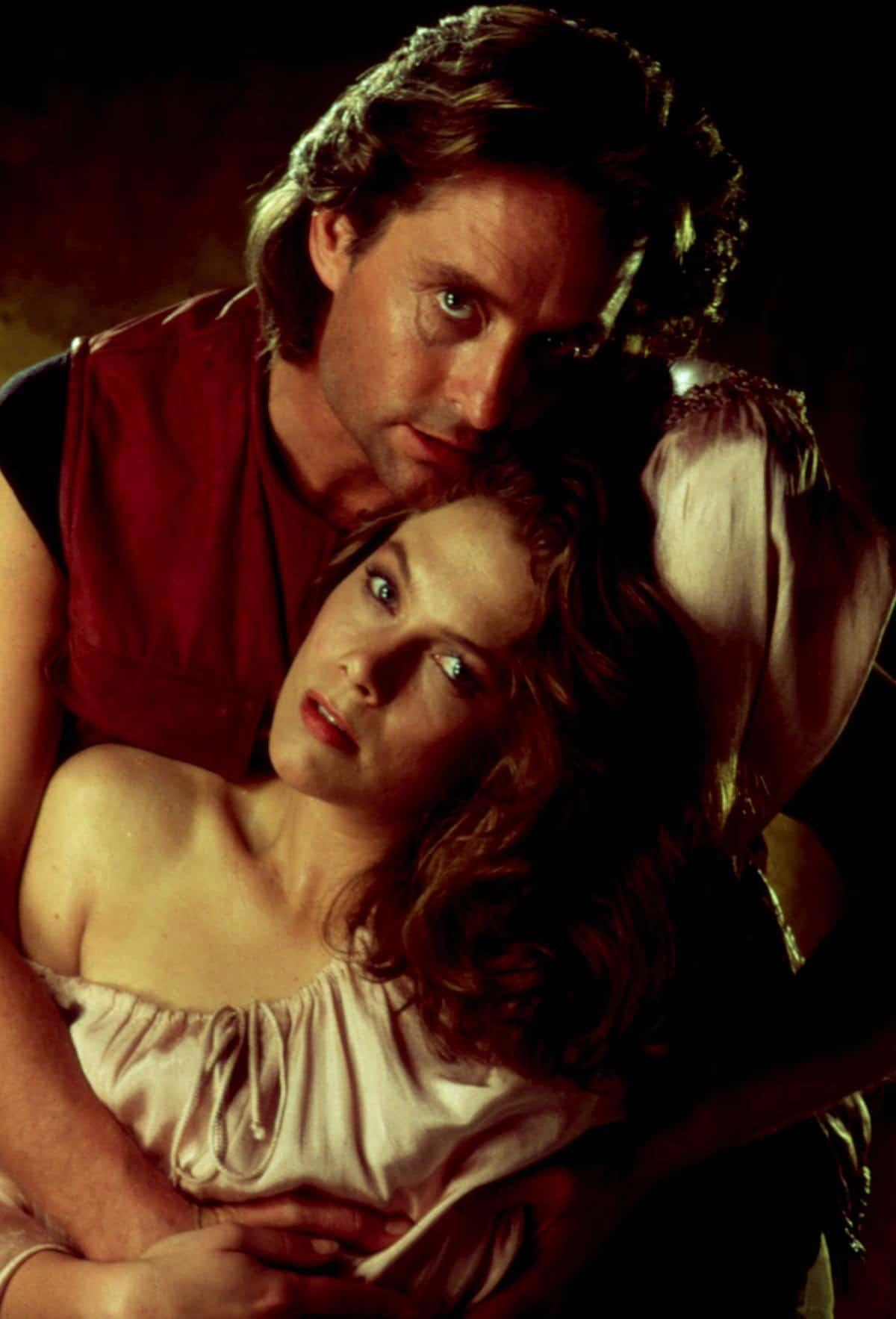 ROMANCING THE STONE, Michael Douglas, Kathleen Turner, 1984