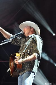 """Alan Jackson's song """"Chatahoochee"""" left one question unanswered"""