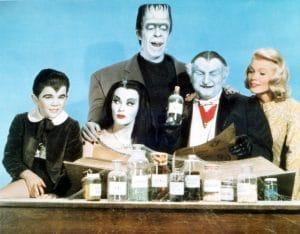 THE MUNSTERS, Butch Patrick, Yvonne De Carlo, Fred Gwynne, Al Lewis, Pat Priest