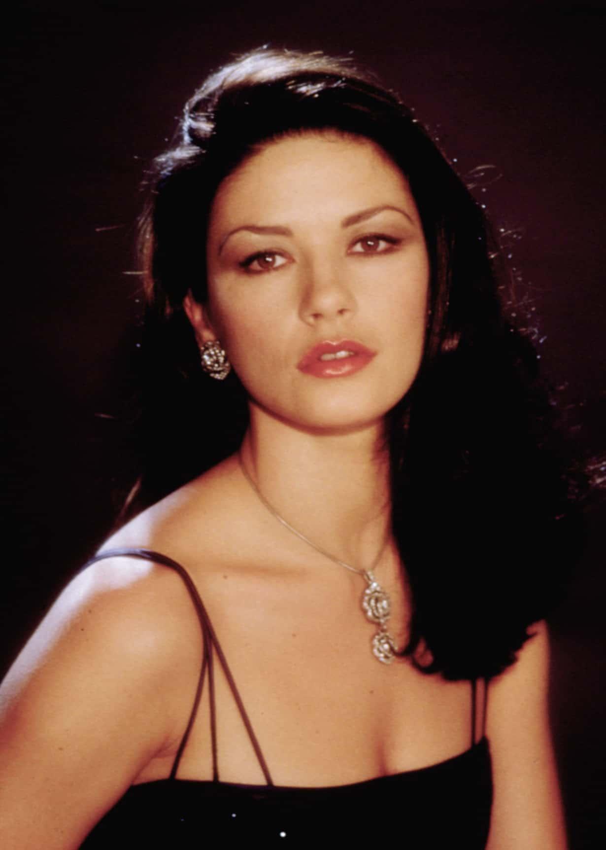 ENTRAPMENT, Catherine Zeta-Jones, 1999