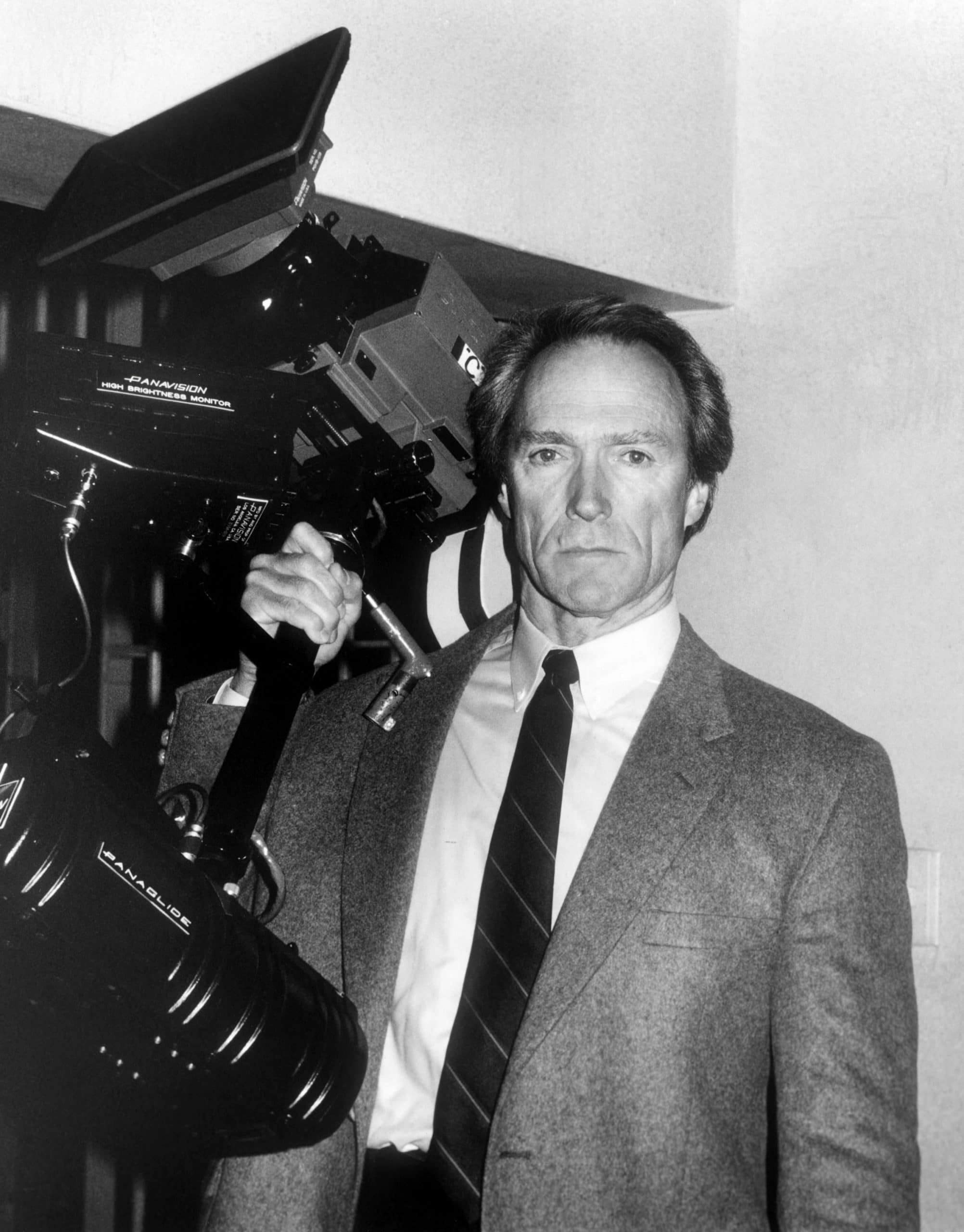 clint eastwood directing the dead pool