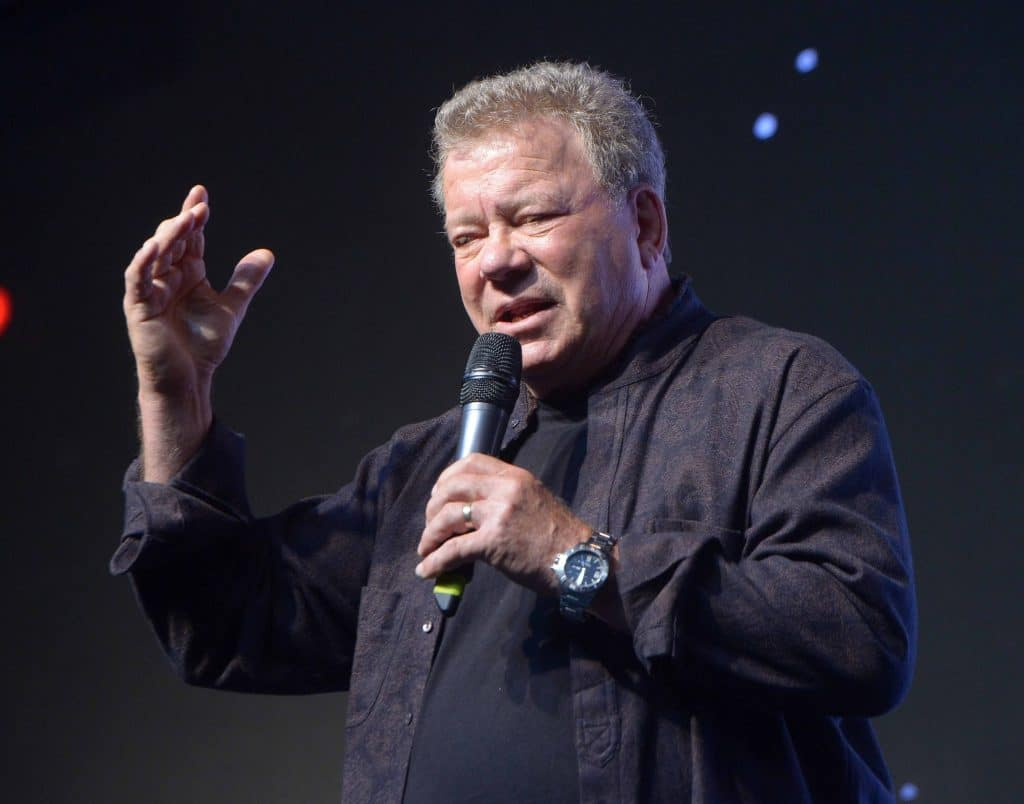 william shatner is going to space hopes he doesn t see a